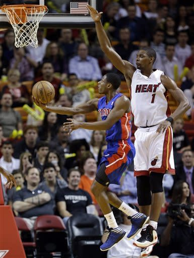Wade leads Heat past Pistons 110-88