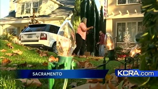 East Sacramento lights up for holidays