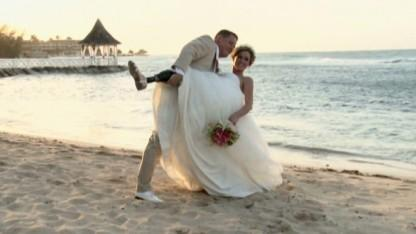 Boston Bombing Survivor Marries College Sweetheart After Split From First Husband