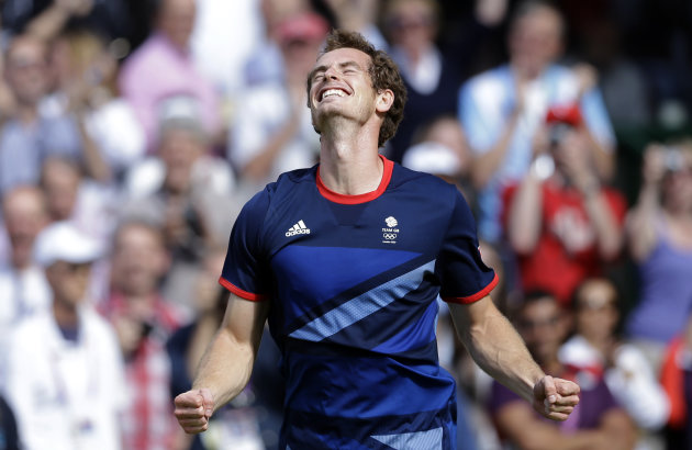 Britain&#39;s Andy Murray celebrates after defeating Switzerland&#39;s Roger Federer to win the men&#39;s singles gold medal match at the All England Lawn Tennis Club at Wimbledon, in London, at the 2012 Summer Olympics, Sunday, Aug. 5, 2012. (AP Photo/Victor R. Caivano)