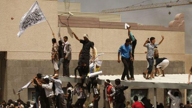 Security official killed at US embassy in Yemen