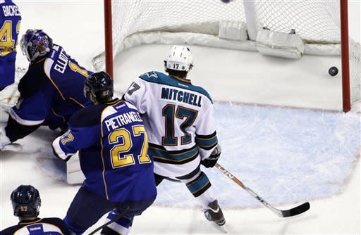 Blues beat Sharks 3-1 to win series