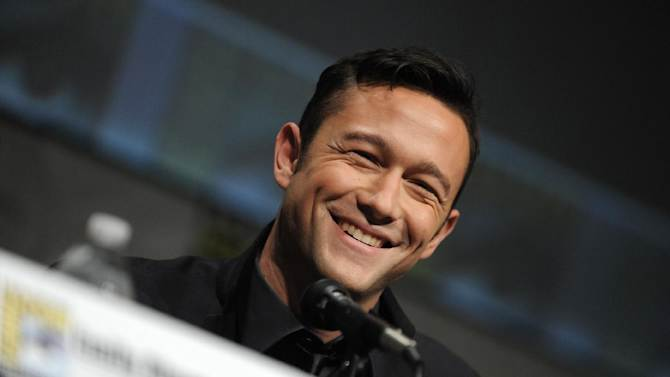 "Joseph Gordon-Levitt attend the ""Looper"" panel at Comic-Con on Friday, July 13, 2012 in San Diego, Calif. (Photo by Jordan Strauss/Invision/AP)"