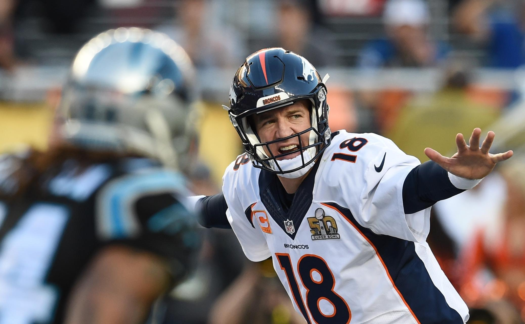 Stay or go? Manning mulls NFL future