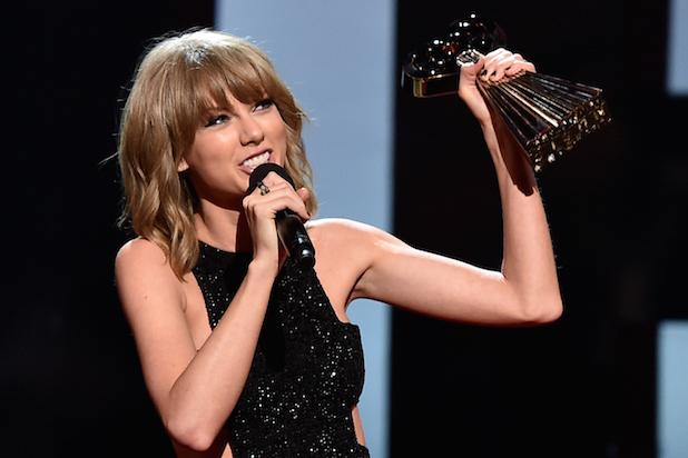 iHeartRadio Music Awards Winners List: Taylor Swift Tops the Night With 3 Awards (Video)