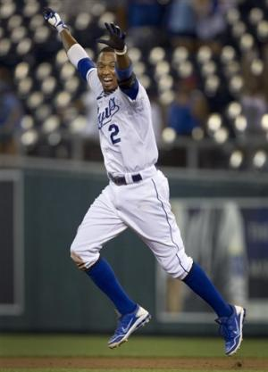 Escobar's hit in 11th gives Royals 7-6 win