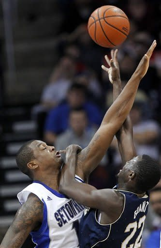 Notre Dame hands Seton Hall 1st home loss, 55-42