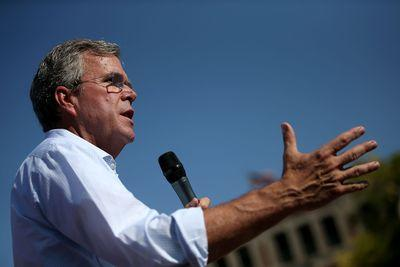 Jeb Bush handles disasters better than his brother