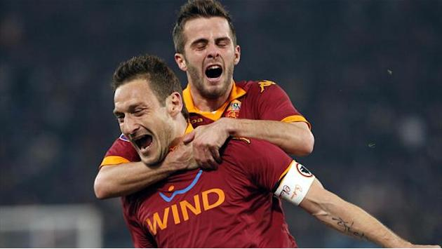 Serie A - Totti to sign Roma extension