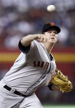 Cain uses arm, bat to lead Giants over D-backs 5-2