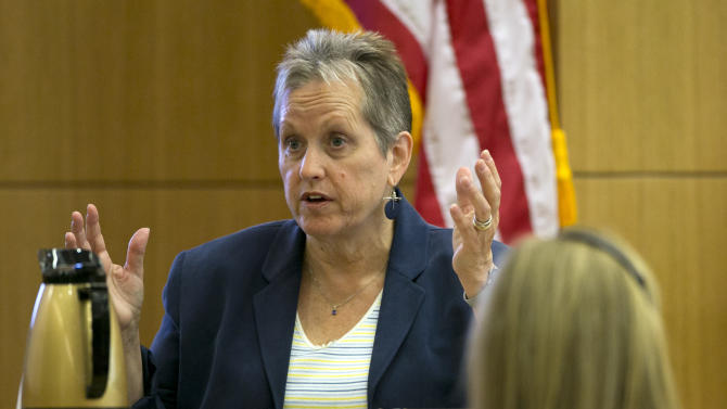 Alyce LaViolette a domestic violence expert testifies during the Jodi Arias trial at Maricopa County Superior Court in Phoenix on Wednesday, April 3, 2013. Arias is charged with murder in the death of lover Travis Alexander. (AP Photo/The Arizona Republic, David Wallace, Pool)