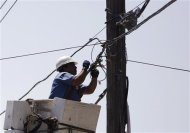 U.S. POWER, TELECOMS OUTAGES LEAVE AMERICANS VULNERABLE - Yahoo ...