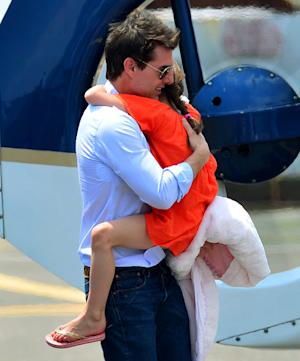Tom Cruise Spends $6,200 on Round-Trip Helicopter Ride With Suri