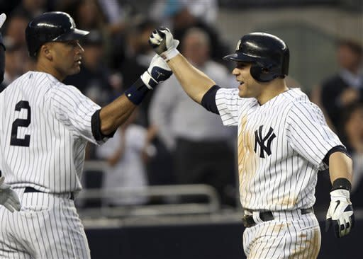 Martin hits slam, Pettitte dominant for Yanks