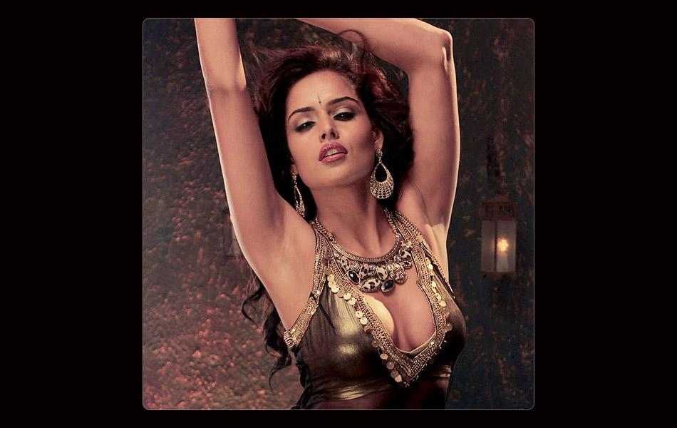 Sizzling hot debutants in Bollywood