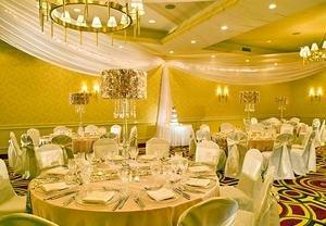 St. Louis Park, MN Hotel Celebrates Love With August Wedding Promotion