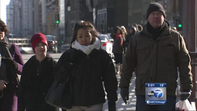 Chicago Weather: Frigid temperatures return, more snow on the way