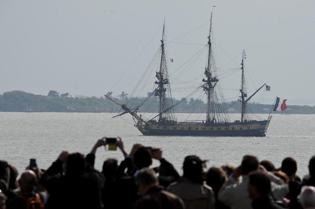 Replica of French general's historic US independence ship sails again
