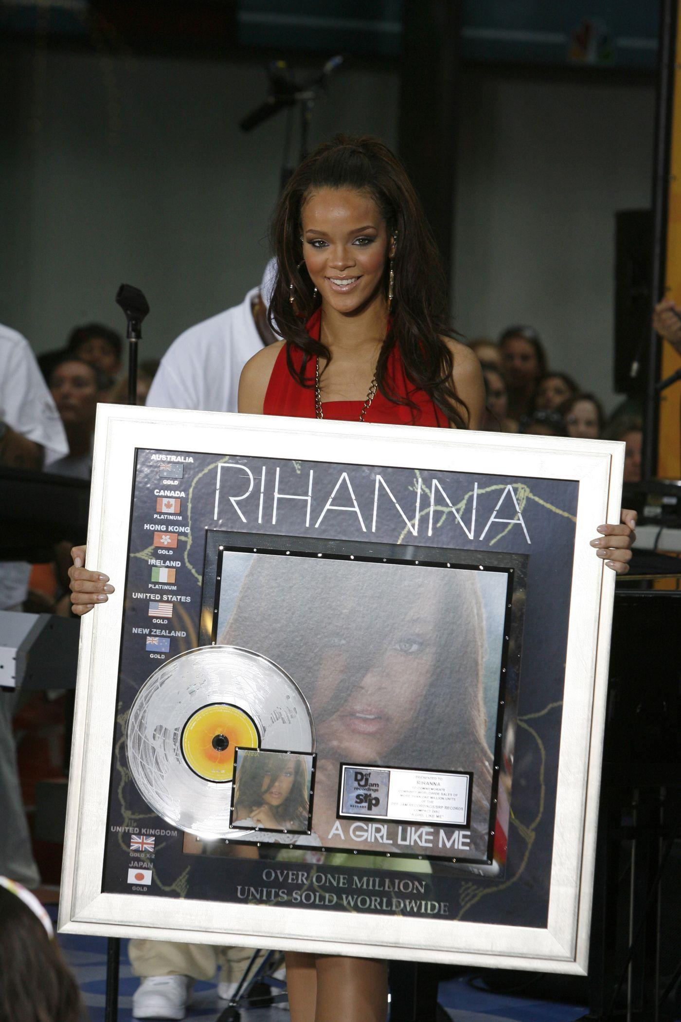 Rihanna, the RIAA, and making a platinum record in 2016