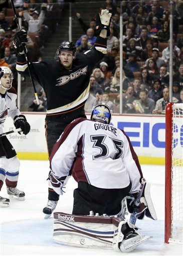 Ducks rally to beat Avalanche 4-3 in OT