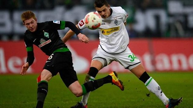 Kevin De Bruyne of Bremen and Granit Xhaka of Moenchengladbach