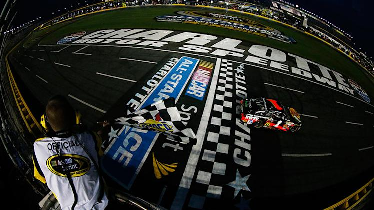 McMurray wins Showdown, advances with Stenhouse