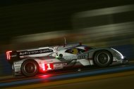 O prottipo Audi R18 e-tron quattro fez histria ao ganhar a 80 edio das 24 Horas de Le Mans. A marca alem vence pela 11 vez a prova e, agora, com um carro de propulso hbrida. (Divulgao)