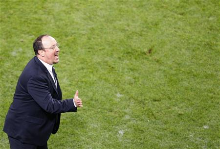 Chelsea's manager Benitez gestures during their Europa League final soccer match against Benfica at the Amsterdam Arena