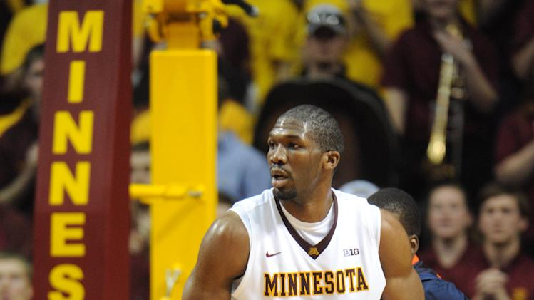 NCAA Basketball: Illinois at Minnesota