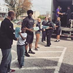 Baltimore Ravens Hand Out Food, Stand In Solidarity With Their City After Riots