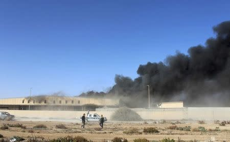Libya conflict revives front lines from 2011 civil war