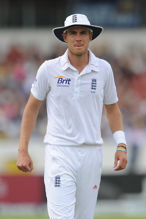 Stuart Broad has denied having any involvement in a parody Kevin Pietersen Twitter account
