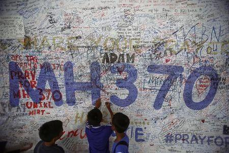 Australia wants clear U.N. rules on extended searches after MH370