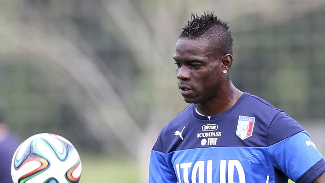 'She said yes': Balotelli proposes to girlfriend