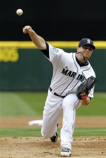 Saunders homers, Mariners beat Twins 5-1 for sweep