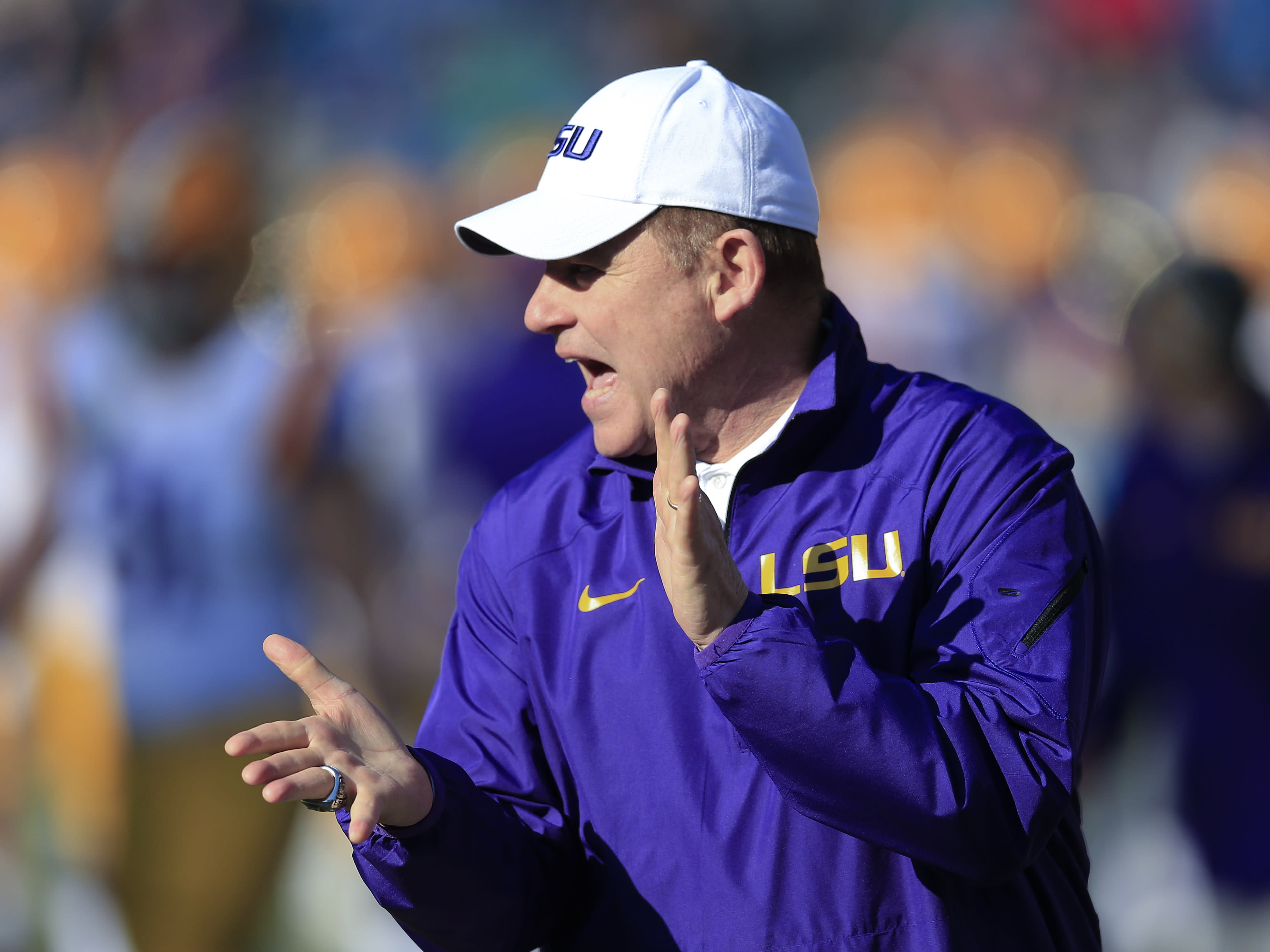 Report: LSU can't sign early enrollees to financial aid agreements for 2 years