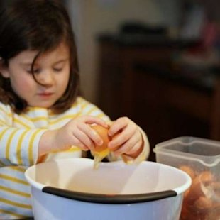 Can 2-year-olds handle cooking classes? These Maryland preschoolers sure can.