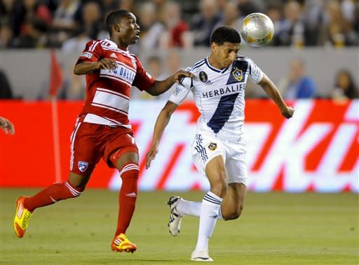 Pat Noonan scores late, Galaxy tie FC Dallas