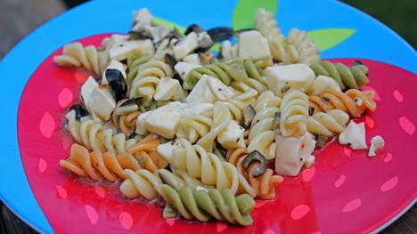 Evita los platos de plástico
