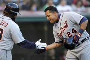 Sanchez loses no-hitter, but Tigers top Indians