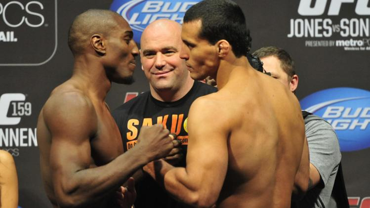 MMA: UFC 159-Jones vs Sonnen-Weigh-In