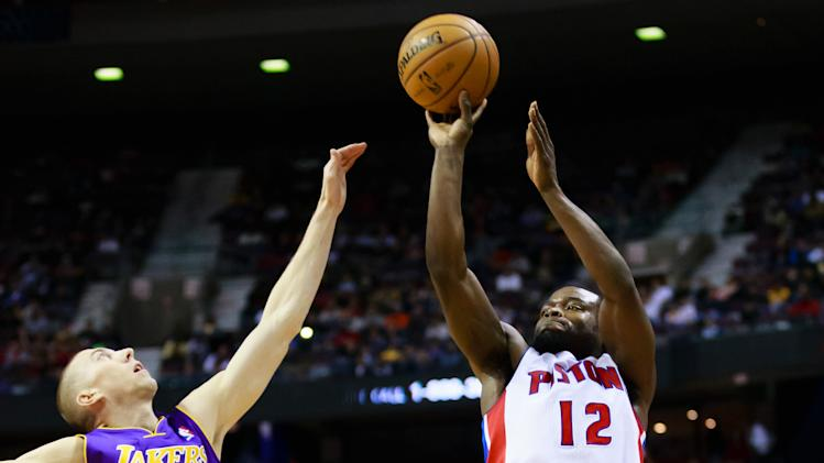 NBA: Los Angeles Lakers at Detroit Pistons