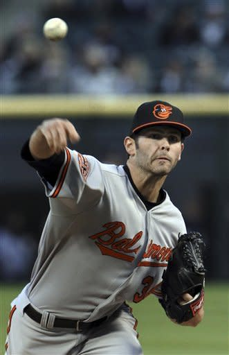 Wieters hits 2 HRs to lead Orioles past White Sox