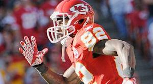 Chiefs tag Albert; re-sign Bowe, Colquitt