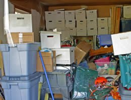 5-dirt-cheap-home-staging-ideas-3-Clutter-Lrg