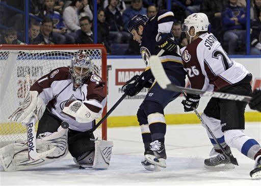 Colaiacovo scores in OT to lift Blues over Avs 3-2