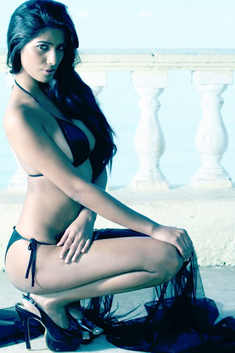 Want Poonam Pandey to strip on your mobile?