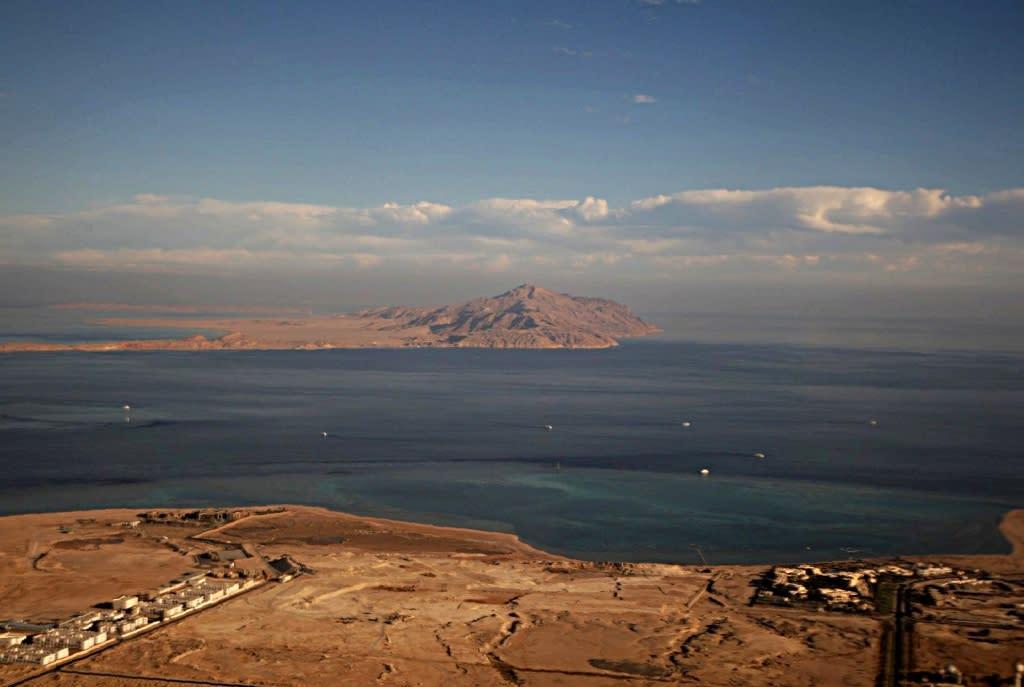 Egypt court suspends block on island transfer to Saudi