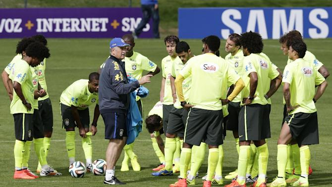 Scolari to rest some players in Brazil tuneup