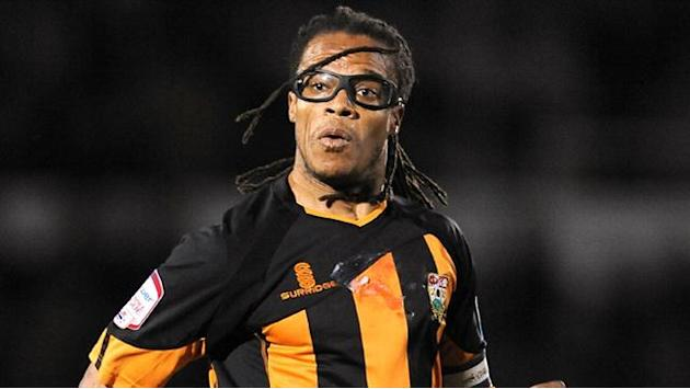 Football - Edgar Davids to 'set trend' of midfielders wearing No.1 shirt (except it's been done before)